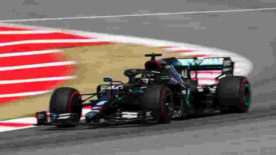 Lewis Hamilton com a Mercedes no Circuito da Catalunha - LAT Images/Mercedes