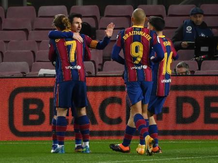 Gol de Messi dá ao Barcelona vitória por pouco