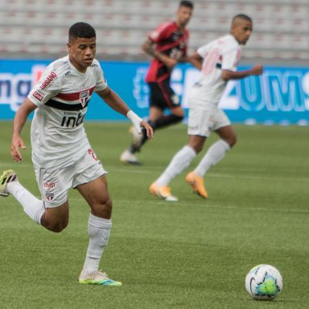 Lance do jogo entre São Paulo e Athletico-PR, na Arena da Baixada, pelo Brasileirão - Robson Mafra/AGIF