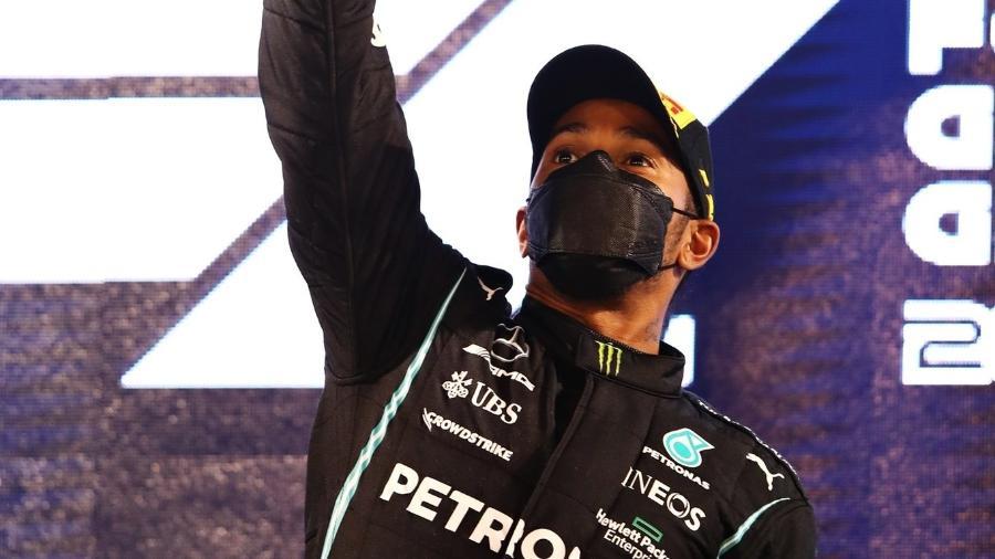 Hamilton celebra vitória no GP do Bahrein na Fórmula 1 - Reprodução/Twitter