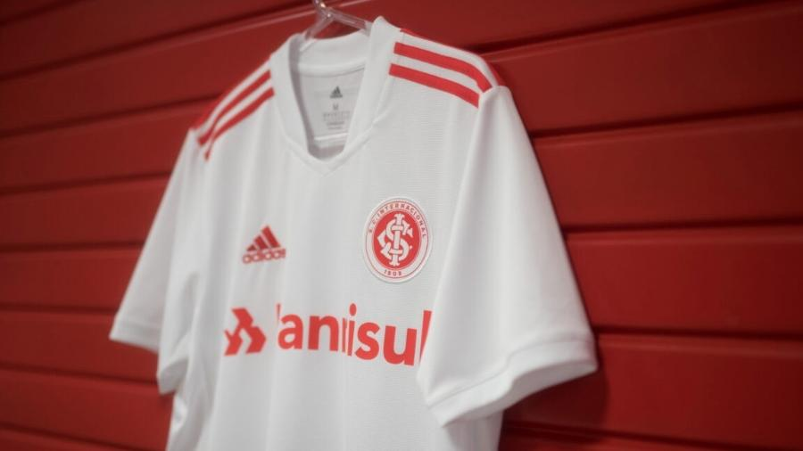 Nova camisa 2 é inspirada no título do Mundial de 2006, conquistado sobre o Barcelona - Reprodução/Internacional.com.br