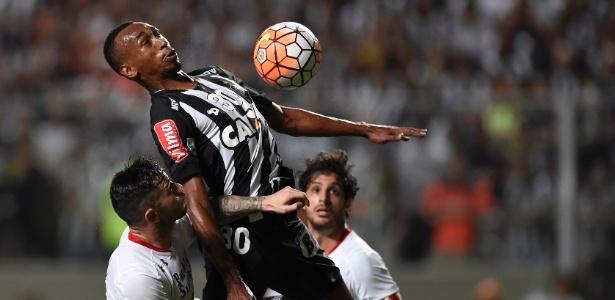 Volante Eduardo vai assinar por cinco temporadas com o Internacional