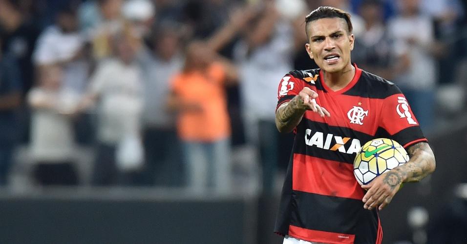 Guerrero reclama durante a partida entre Corinthians e Flamengo