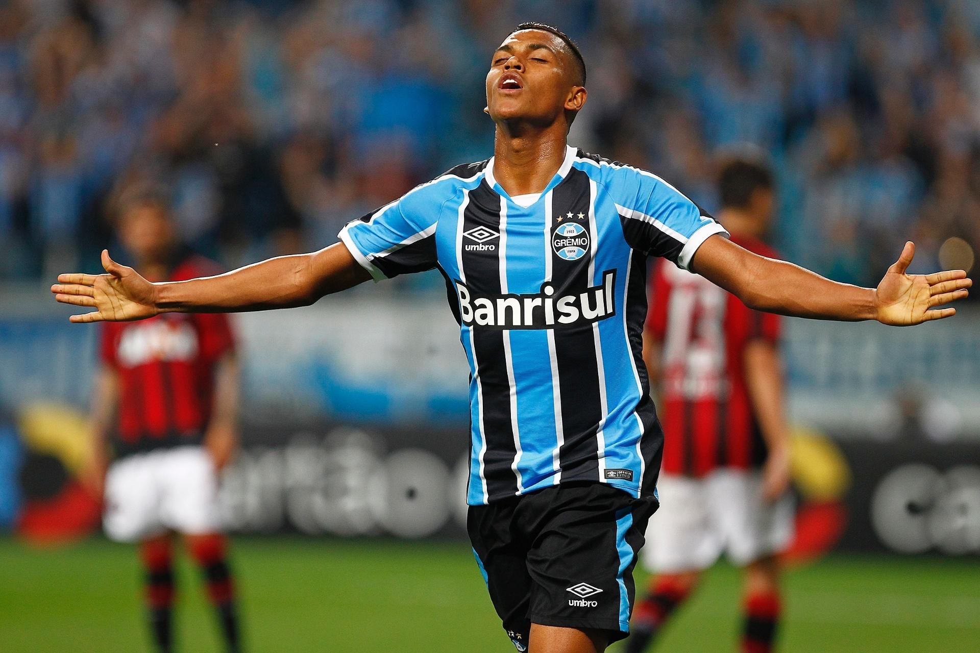 Grêmio aproveita falha do goleiro b20dc2a0d63d4