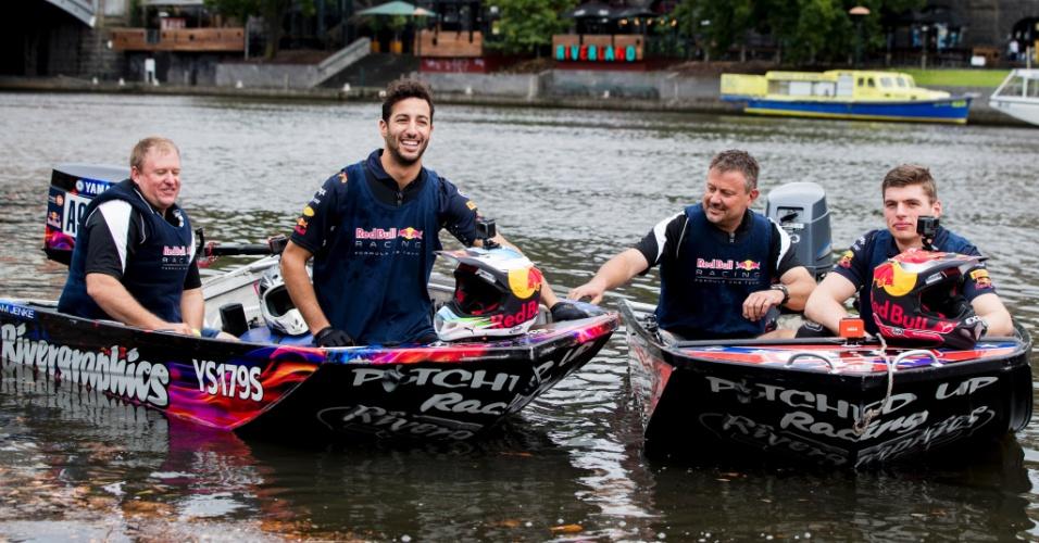 Daniel Ricciardo e Max Verstappen participam de evento antes do GP da Austrália