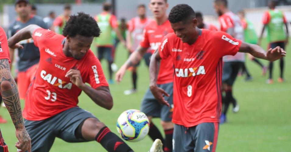 Rafael Vaz e Márcio Araújo enfrentam resistência severa da torcida do Flamengo