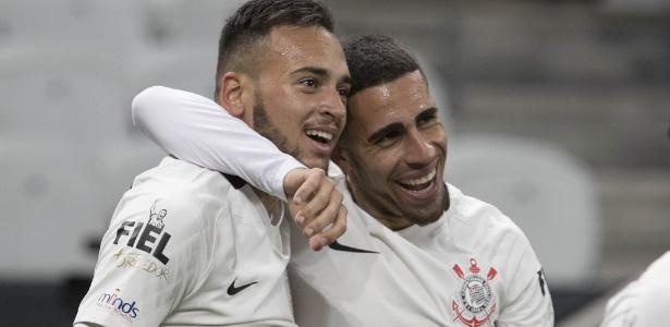 Maycon forma dupla de volantes do Corinthians com Gabriel