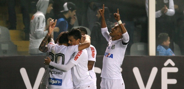 """Santos aposta nos """"garçons"""" B. Henrique e L. Lima e jogará com apenas 1 volante"""