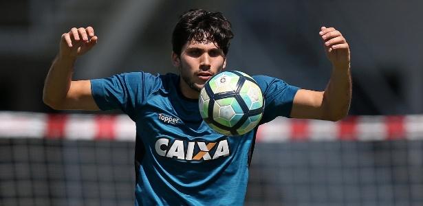 Jogador formado na casa tem agradado no Botafogo