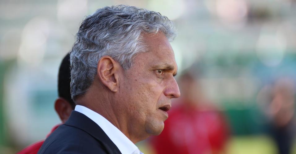 O técnico Reinaldo Rueda comanda o Flamengo contra a Chapecoense