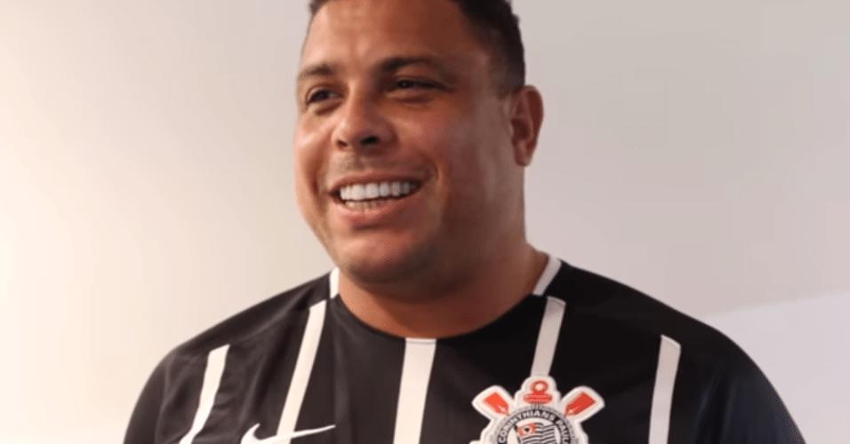 Em Itaquera, Ronaldo comemora título brasileiro do Corinthians