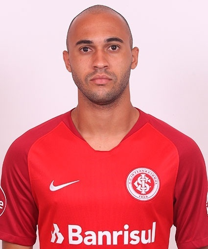 Luís Eduardo Marques dos Santos, lateral do Inter