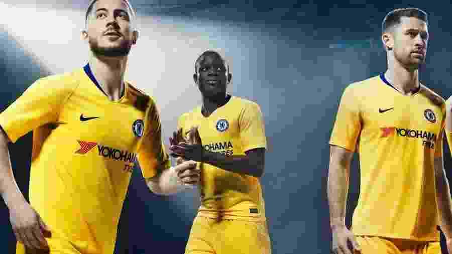 2c785c5213 Chelsea apresenta novo terceiro uniforme com Hazard
