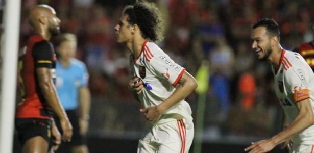 Willian Arão está na mira do São Paulo para 2019; Flamengo espera eleição para negociar