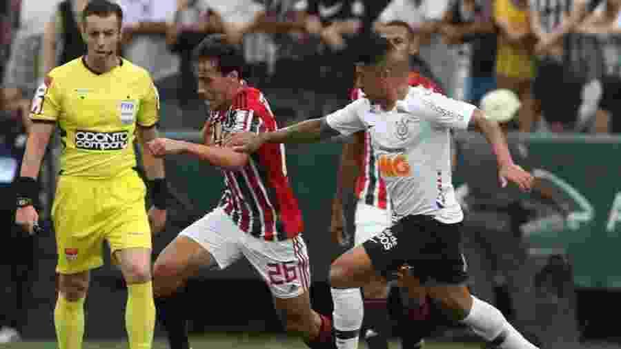 Ralf x Igor Gomes é um dos duelos que pode se repetir no clássico entre Corinthians e São Paulo hoje - Rubens Chiri / saopaulofc.net