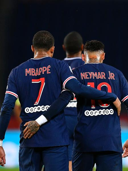 Neymar e Mbappé comemoram gol do PSG contra o Angers -  Aurelien Meunier - PSG/PSG via Getty Images