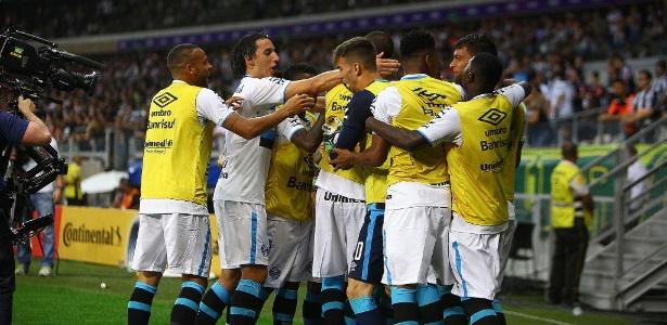 Goleiro se irritou com comemoração dos jogadores no final da partida no Mineirão