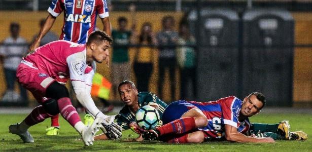 Jean faz defesa durante jogo contra o Palmeiras, no mês de outubro