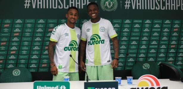 Lateral direito Eduardo e volante Moisés Ribeiro ficam na Chape até 2019