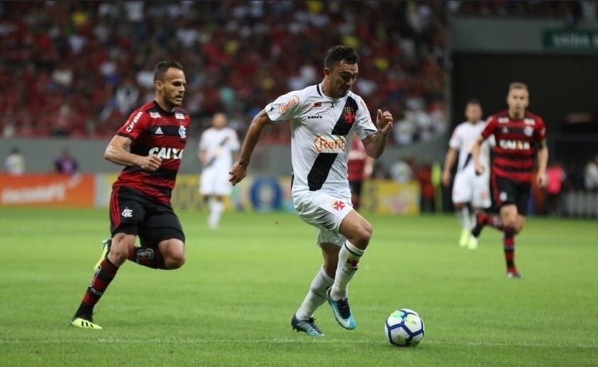 Raul, do Vasco, durante jogo contra o Flamengo