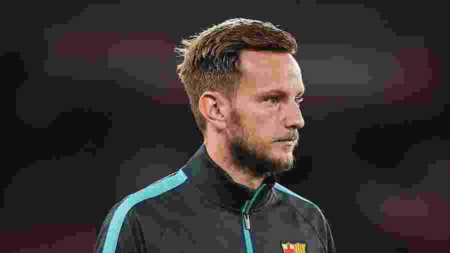 Ivan Rakitic quer completar contrato com o Barcelona e pede atitude da direção - Quality Sport Images/Getty Images