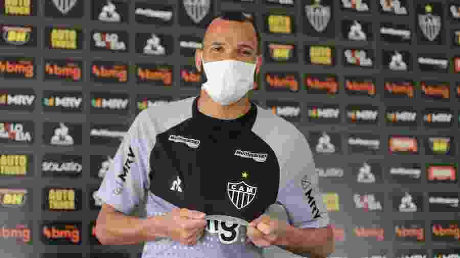 Goleiro Everson chegou nos últimos dias e deverá ser titular do Galo, que tem Rafael suspenso - Pedro Souza/Divulgação/Atlético-MG