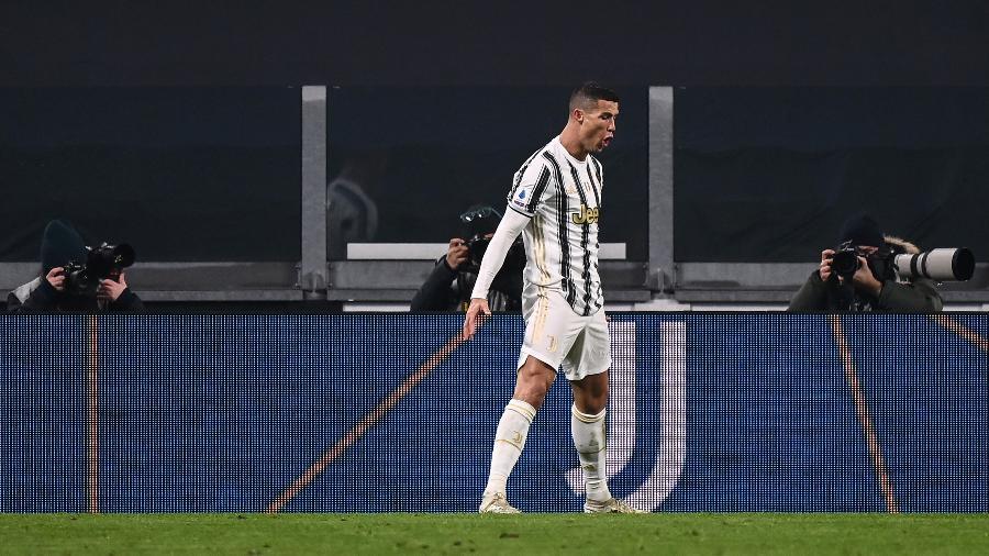 Cristiano Ronaldo comemora segundo gol da Juventus sobre a Udinese em partida pela Série A - Marco Bertorello/AFP