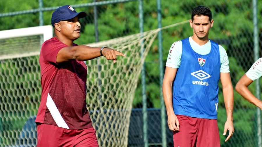 Roger Machado com Ganso em treino do Fluminense - Mailson Santana/Fluminense FC