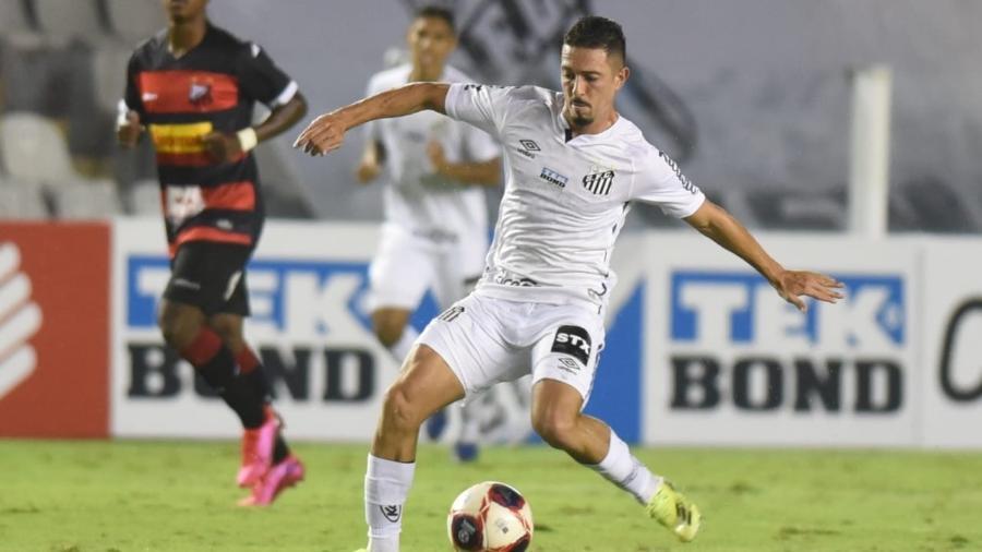 Jean Mota, do Santos, em ação na partida contra o Ituano -  Ivan Storti/Santos FC