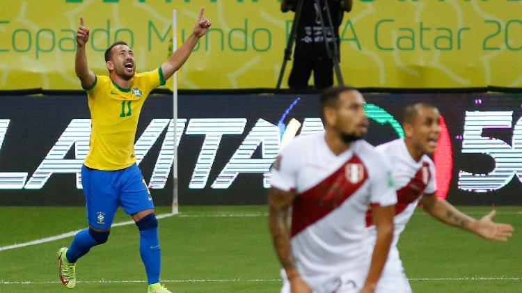 Everton Ribeiro - Paulo Paiva/AGIF - Paulo Paiva/AGIF