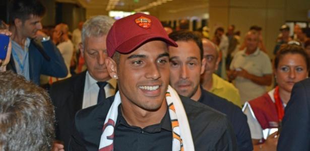 Emerson Palmieri trocou o Santos pela Roma em 2015
