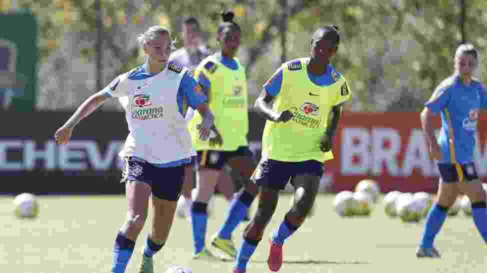 Marjorie Castro treina com as colegas de seleção sub-20 no Pinheiral, no Rio. - Rafael Ribeiro/CBF