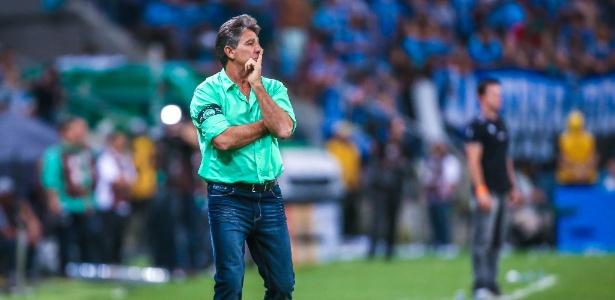 Treinador completa 150 jogos à frente do Grêmio defendendo nova fase do clube