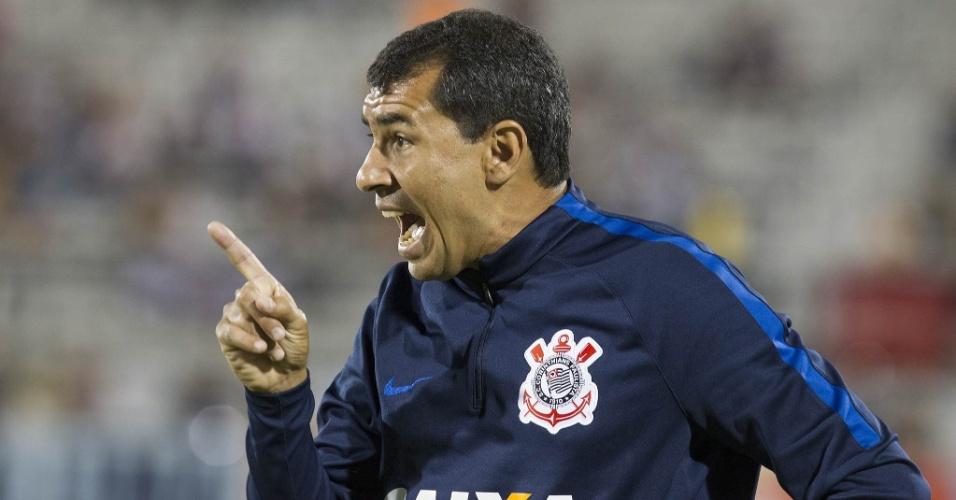 O técnico Fábio Carille durante Corinthians x São Paulo, na Flórida Cup