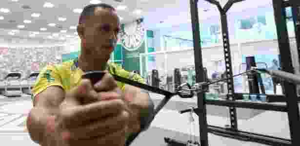 O venezuelano Guerra faz treino físico no Palmeiras - Agência Palmeiras - Agência Palmeiras
