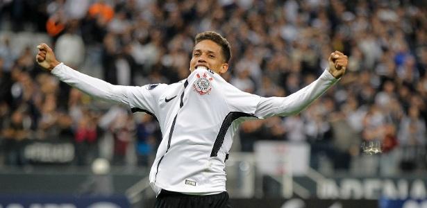Pedrinho marcou o primeiro gol como profissional na última quarta-feira
