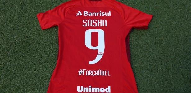 Camisa do Inter com homenagem para Abel Braga, ex-técnico do time