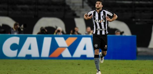 Igor Rabello comemora o segundo gol do Botafogo contra o Corinthians - Thiago Ribeiro/AGIF