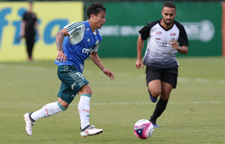 76b612199c Artur comemora recuperação de lesão e oportunidade no Palmeiras -  22 06 2018 - UOL Esporte