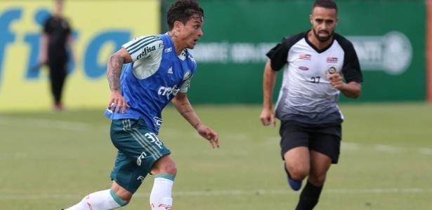 Artur em ação pelo Palmeiras durante jogo-treino contra o São Bernardo - Cesar Greco/Ag. Palmeiras/Divulgação