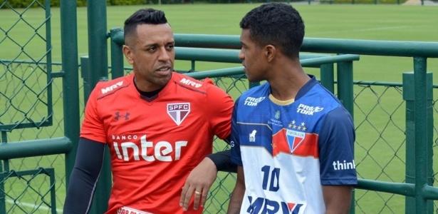 O goleiro Sidão conversou com Léo Natel, quando o Fortaleza treinou em São Paulo
