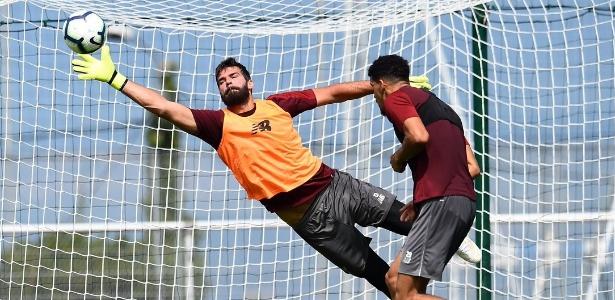 Goleiro Alisson participa de treinamento do Liverpool - Liverpool/Oficial
