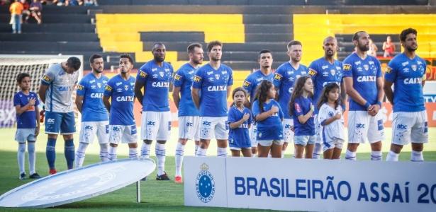 Torneios mata-mata forçam Mano a mesclar jogadores do Cruzeiro no Brasileirão