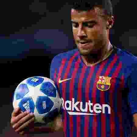 Caso não seja negociado até segunda-feira, Rafinha pode assinar sem custos com qualquer clube em janeiro - Josep LAGO / AFP
