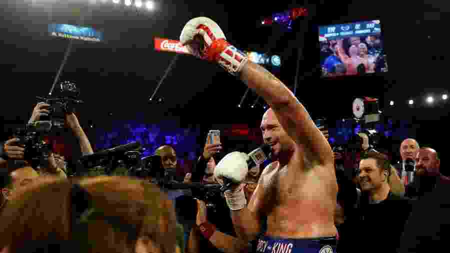 Tyson Fury celebra vitória sobre Tom Schwarz - Mike Segar/Reuters