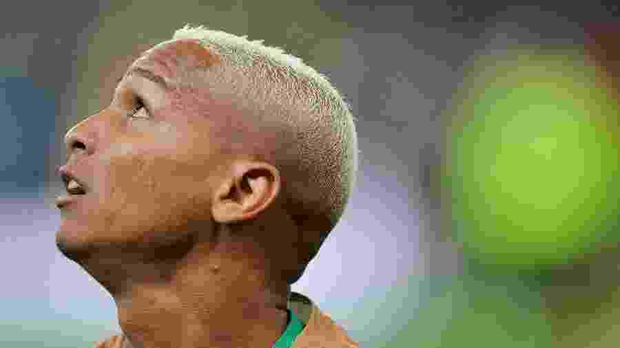 Deyverson ficou fora até do banco de reservas nos dois primeiros jogos de Mano Menezes no Palmeiras - Duda Bairros/AGIF