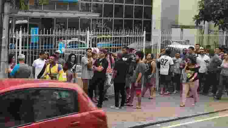 Longa fila de sócios na loja oficial do Vasco no bairro do Méier, na Zona Norte do Rio de Janeiro - Bruno Braz / UOL Esporte - Bruno Braz / UOL Esporte