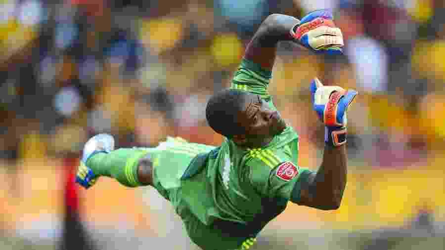Senzo Meyiwa, goleiro da seleção da África do Sul e do Orlando Pirates, foi morto em 2014 - EFE