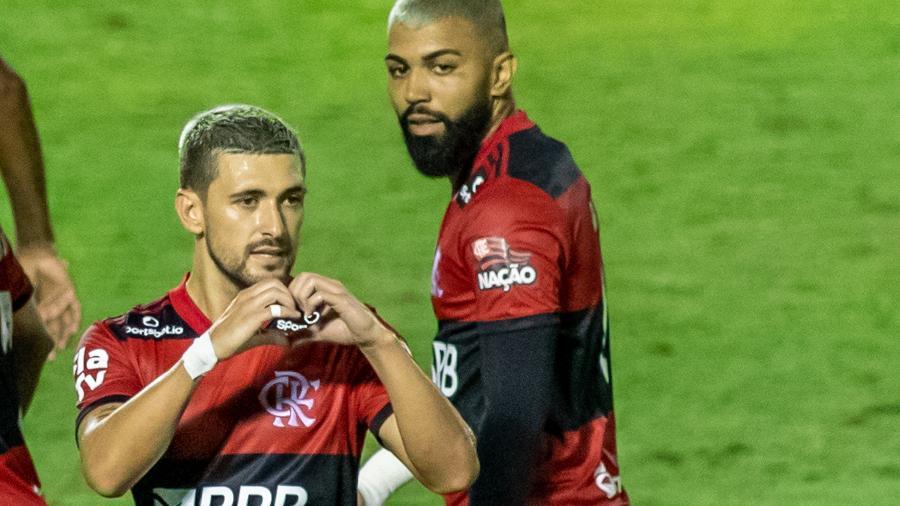 Arrascaeta anotou golaço na partida entre Flamengo e Bangu, pelo Campeonato Carioca - ESTADÃO CONTEÚDO