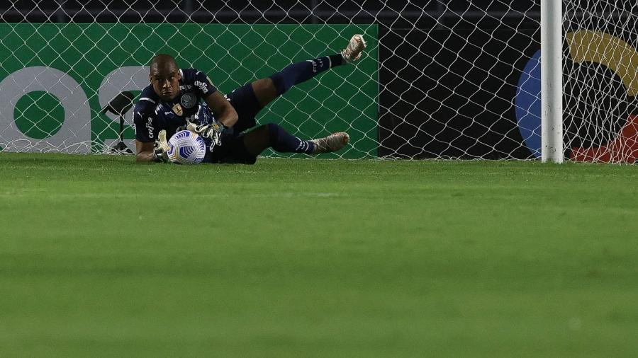 O goleiro Jailson, da SE Palmeiras, em jogo contra a equipe do CRB, durante partida válida pelos 1/16 avos, ida, da Copa do Brasil. - Cesar Greco